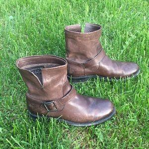 Frye Boot Natalie Engineer Short Dark Brown 8
